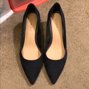 Navy Zara pump